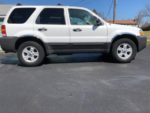 2006 Ford Escape XLT (Tiverton, RI) $3000