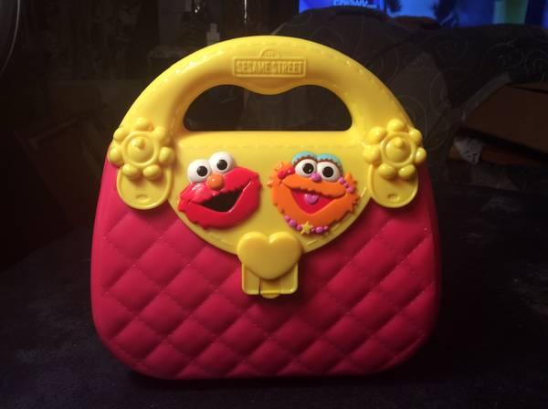 Elmo purse (Taunton) $10