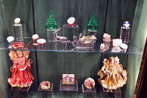 Picture Of 2015 Holiday Window 2C Of Scully & Scully Located At 504 Park Avenue At 59th Street In New York City. Scully & Scully Is A High End Home Goods Store. Photo Taken Friday December 18, 2015