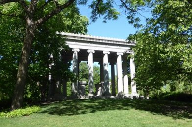 Chicago, Graceland Cemetery on Memorial Day Weekend, Potter and Bertha Honore Palmer Tomb, 1921